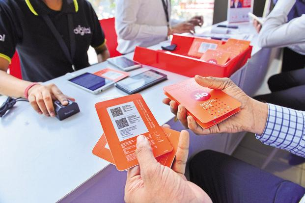 Reliance Jio, SBI tie up for digital banking service