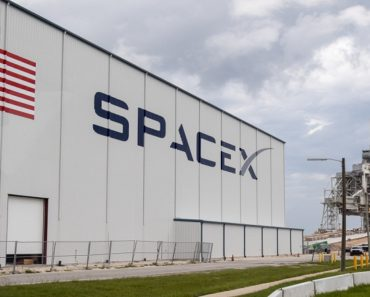 SpaceX Will Fly Astronauts Before Boeing: NASA
