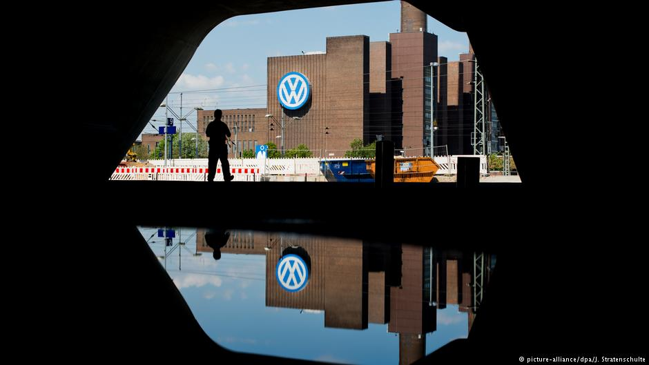 Test case against Volkswagen opens — why it matters | Business| Econom...