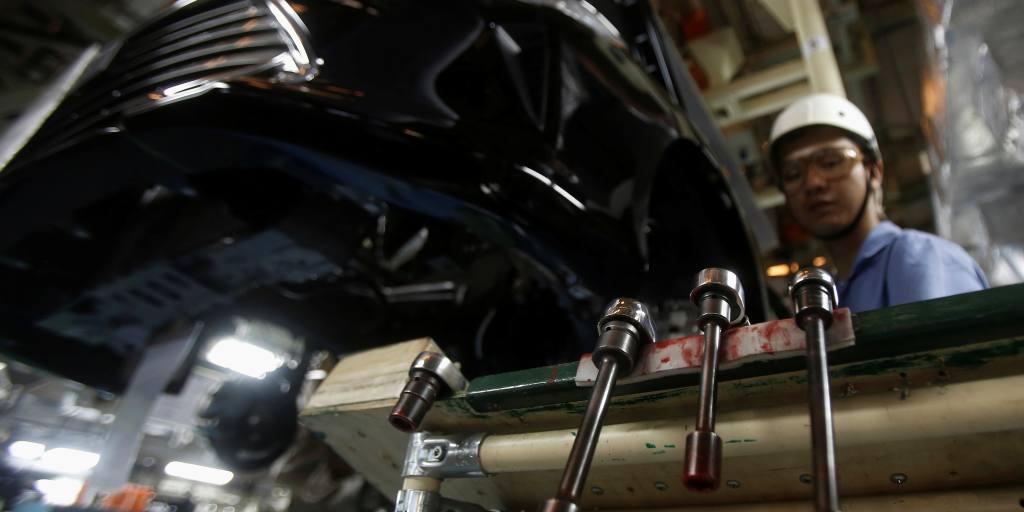 Vietnam keeps tough auto import rules despite criticism