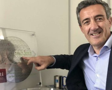 Emmanuel Sabonnadiere, CEO of CEA-Leti, in his corner office (Photo: EE Times)